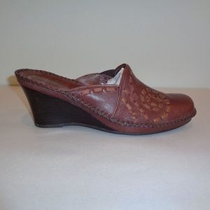 Clarks Size 7.5 M 72962 Brown Leather Wedge Mules